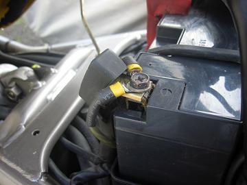 バッテリー側の端子