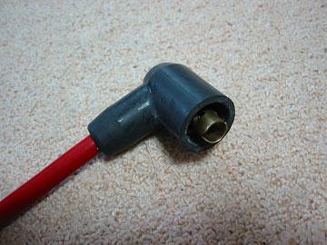 エルボ型のコネクタをホットワイヤーに圧着