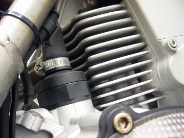 きれいなDUCATI SS900ieエンジン